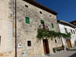 Casas y chalets en burgos for Pisos alquiler villarcayo