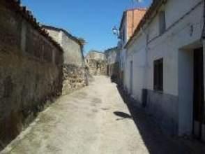 Casa adosada en calle Castillo, nº 3