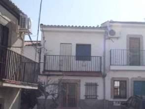 Casa adosada en calle Altozano, nº 21