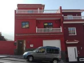 Casa adosada en calle San Antonio, nº 105