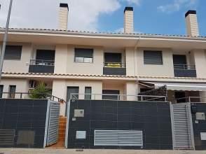 Casa adosada en calle Pinada, nº 24
