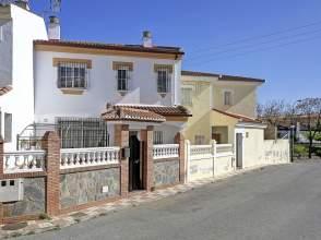 Casa pareada en Avda Suspiro del Moro