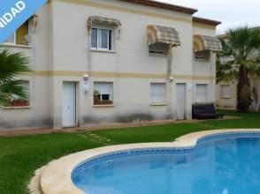 Casa adosada en Oliva Nova