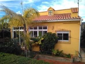 Casa en calle Avenida los Naranjos, nº 28