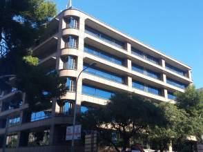 Oficina en calle Via Augusta / Mitre