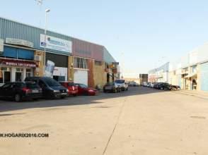 Nave industrial en Los Rosales-Pinar de Balbueno-Pérez Cubillas