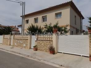 Chalet pareado en calle San Judas