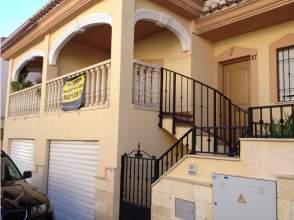 Casa adosada en calle San Quintin, nº 17