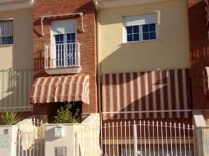 Casa adosada en calle C/ La Viña , nº 27