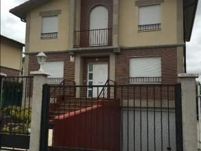 Chalet unifamiliar en calle Ignacio Aldecoa, nº 10