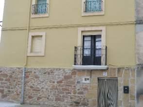 Casa pareada en calle Ignacio Alonso, nº 45