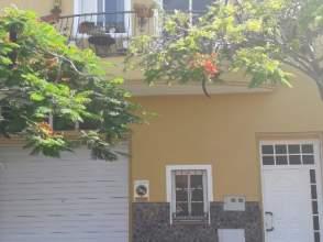 Casa adosada en Avenida Malpais, nº 56