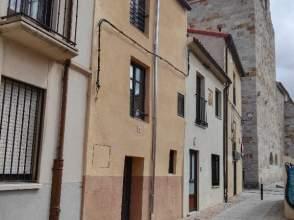 Casa adosada en calle Carniceros, nº 6