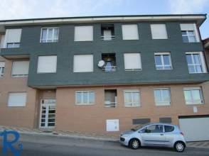 Pisos en navatejera villaquilambre for Alquiler pisos navatejera