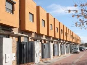 Casa adosada en calle Fuente de Cantos,  31
