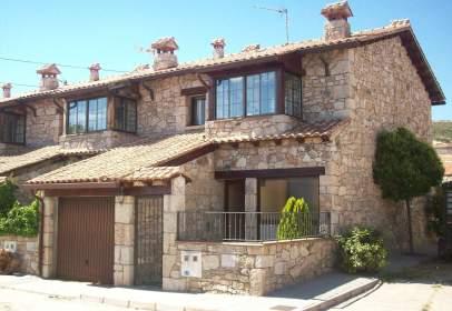 Casa pareada en calle de la Fe, 12