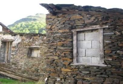 Casa en Oencia
