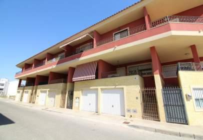 Casa adosada en Granja de Rocamora