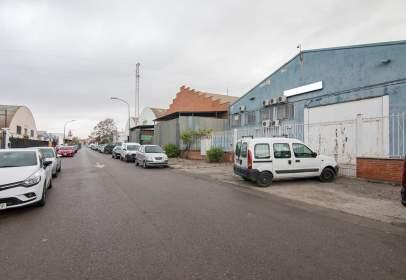 Nave industrial en calle de Jaén