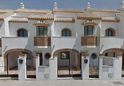 Casa adossada a calle Al- Andalus