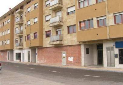 Commercial space in calle Francisco de Vitoria, nº 50