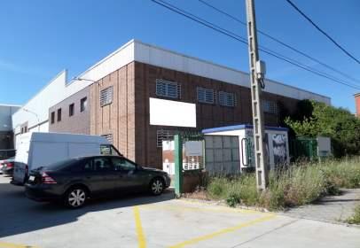 Nau industrial a calle de la Plata
