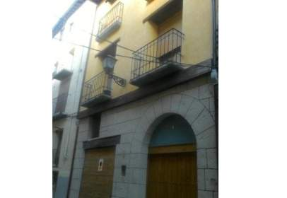 Chalet en calle de Santa Pau