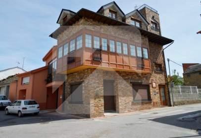 Casa en Fabero