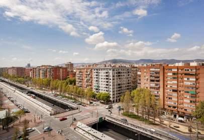 Pis a Gran Via de les Corts Catalanes, prop de Carrer de Josep Pla