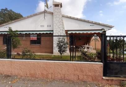 Chalet in calle Pedrisa Poligono 25