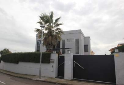 Chalet in Calafell Poble
