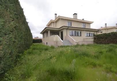 Casa pareada en Urbanización Navahonda