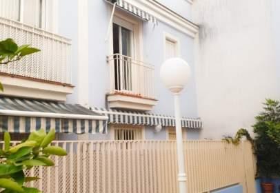 Casa en calle de Agustín de la Oliva