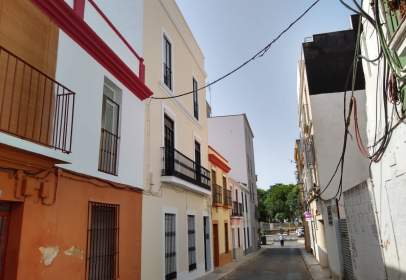 Piso en calle Suarez Somonte, nº 19