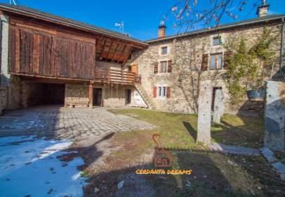 House in Angoustrine-Villeneuve-des-Escaldes