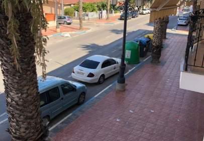 Pis a calle de las Mercedes, prop de Avenida de la Libertad