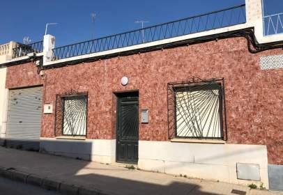 Casa adosada en calle Rio Muni-Bda.Cuatro Santo, nº 37