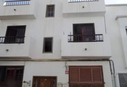 Piso en calle Navarra, 28