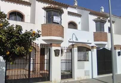 Terraced house in Avenida de Fuente de Piedra