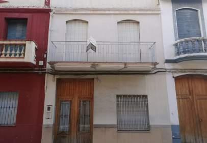 Casa adosada en calle del Alcalde Vicente Moliner