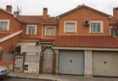 Casa adossada a Cabañas de La Sagra