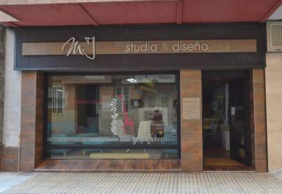 Local comercial en Carrer Morán Roda, 4