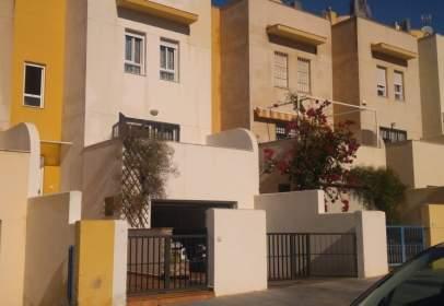 Duplex in Los Ángeles-Cruz de Caravaca-Piedras Redondas