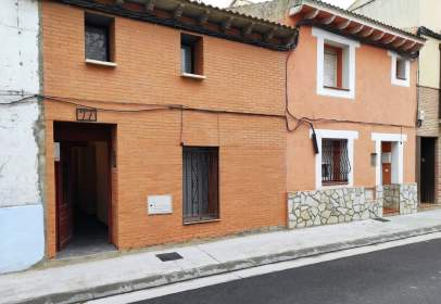 Casa a calle de las Cortes de Aragón