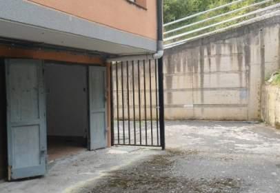 Almacén en Barrio de Larrotegi, 4