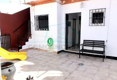 Casa adosada en Benacazón