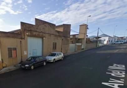 Nau industrial a Avinguda del Mar, prop de Carrer de la Asunción