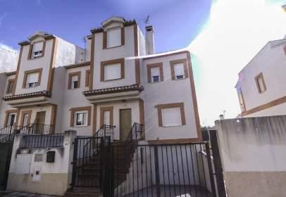 Terraced house in calle de José Hernández