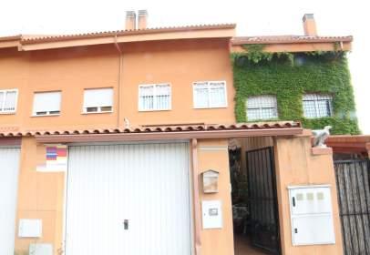 Casa adosada en Perales de Tajuña, Zona de - Morata de Tajuña