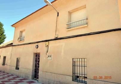Casa a calle de los Héroes del Alcázar, prop de Calle de Miralprado
